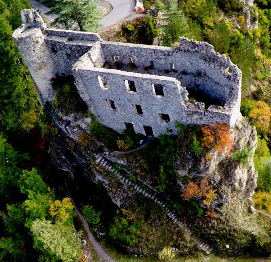 image chateau_de_guillaumes.png (1.0MB)